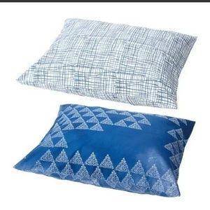 IKEA 2 Pillowcases Triangle Pattern Blue & White